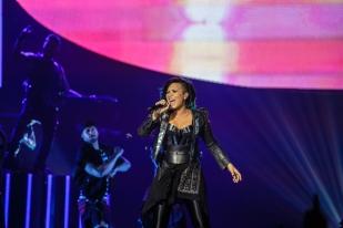 Demi Lovato-2-2