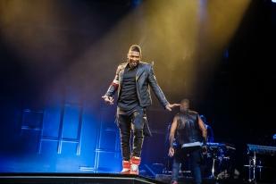 Usher-11